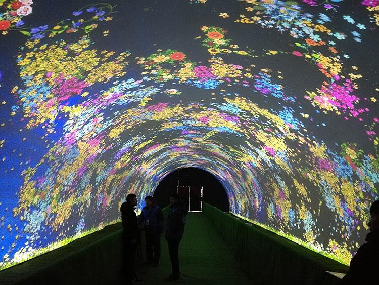2018山西太原音乐灯光节梦幻时空隧道投影